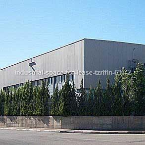 מבני תעשייה להשכרה - בצריפין - מספר קטלוגי 637
